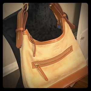 ❤️❤️Dooney & Bourke Tan Shoulder Bag